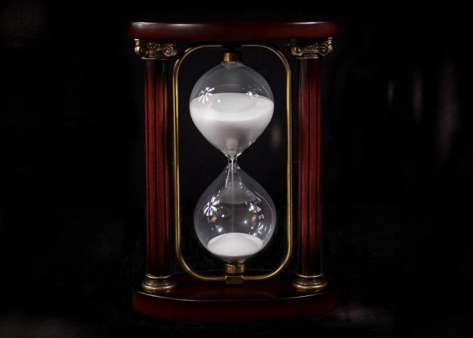 hourglass-695275_1920