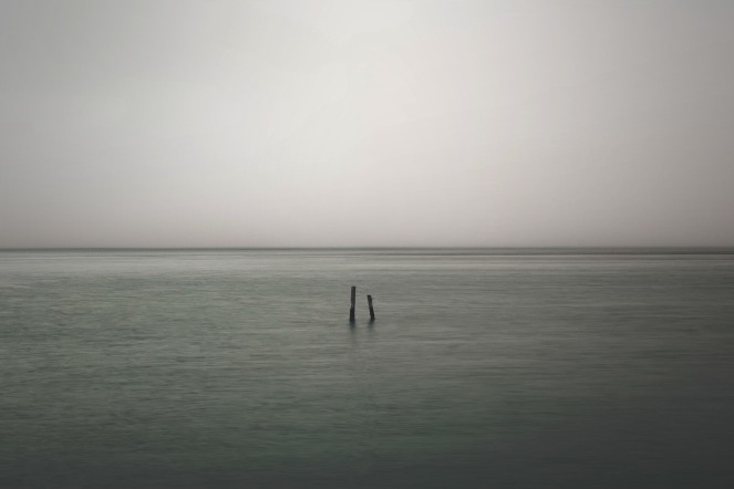 lonely-821489_1920